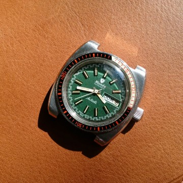 Vintage Nivada Antarctic Compensamatic Divers Day Date Watch W/rare Green Dial for sale